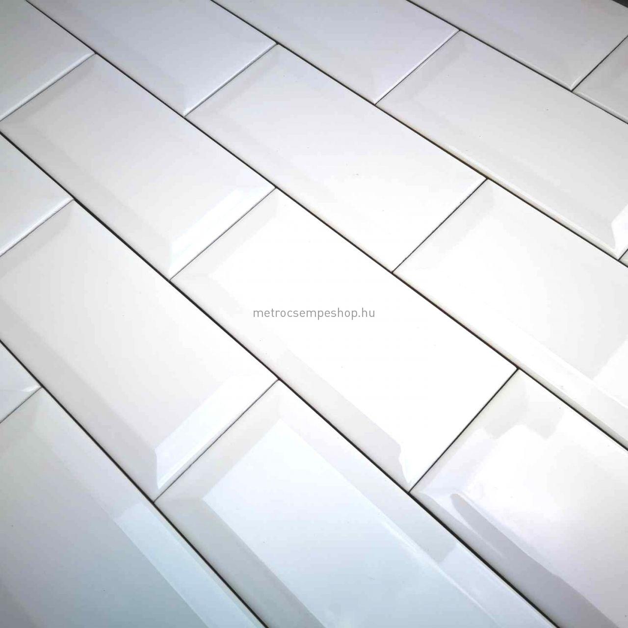 7,5x15 FEHÉR fényes fózolt metro CSEMPE